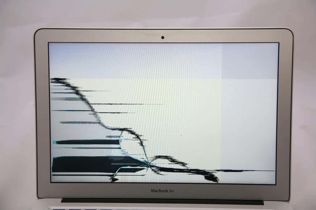 13 inch MacBook Air LCD Replacement candidate with a broken screen